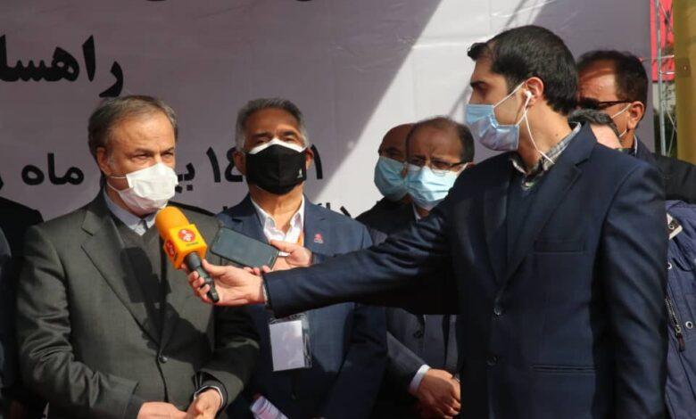 وزیر صمت در جمع خبرنگاران در نمایشگاه بین المللی تهران: اکتشافات جدید، منابع معدنی را به ۶۰ میلیارد تن خواهد رساند/ تعهدات دو خودرو ساز به خوبی در حال عملی شدن است