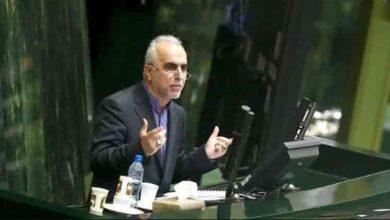 تصویر از مجوزهای دست و پا گیر دومین کارت زرد را نصیب وزیر اقتصاد کرد