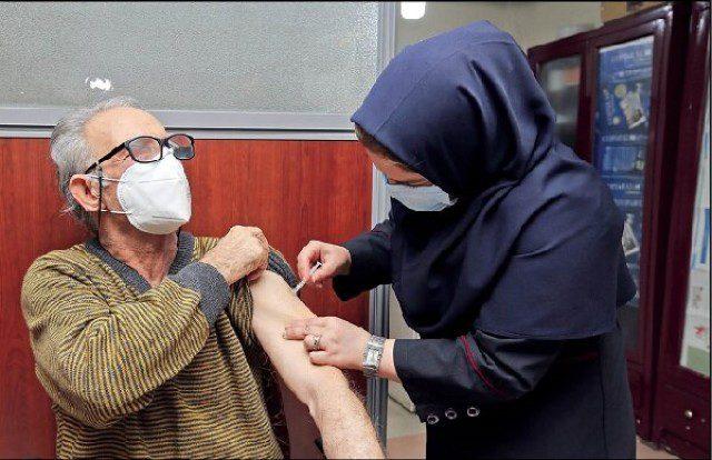 تزریق واکسن سالمندان