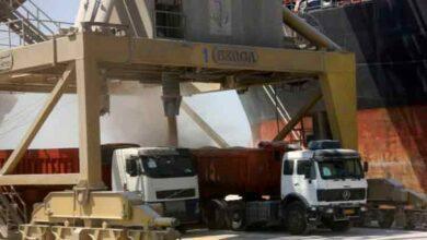 تصویر از تخلیه ۱۳۰ هزار تن شکر و ۴۳ هزار تن روغن خام در بندر امام طی ۳ روز اخیر