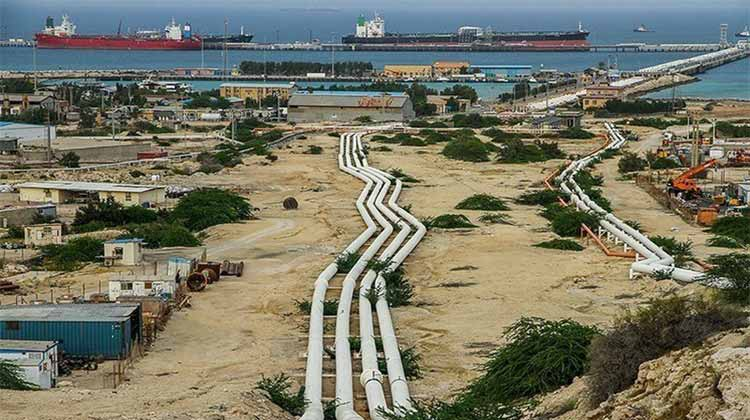 آغاز بارگیری نخستین محموله صادراتی نفت ایران از دریای عمان